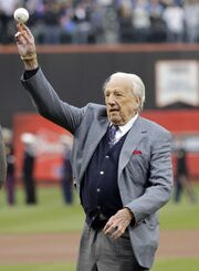 Ralph-Kiner-throws-out-the-first-pitch-on-Opening-Day-at-Citi-Field-in-New-York