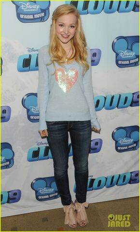 File:Dove Cameron 2013 (9).jpg