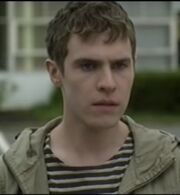 Iain De Caestecker (tvs - The Fades) - Paul
