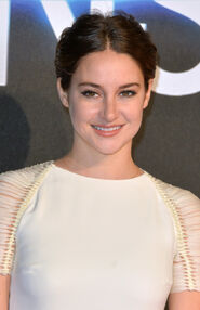 Shailene-Woodley-Hair-Feathers-2015