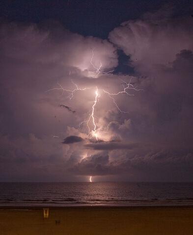 File:Lightning062611.jpg