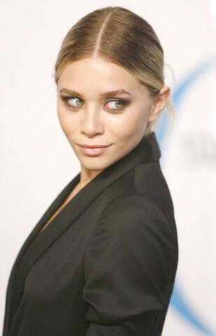 File:Ashley Olsen8.jpg