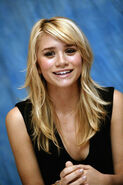 Ashley Olsen9