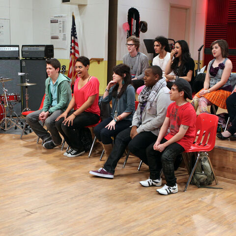 File:Glee-project-ep3-640x640-11.jpg