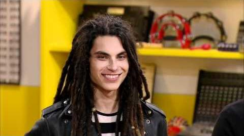 Samuel Larsen Guest Mentors on The Glee Project!