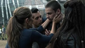 The100 S3 Wanheda Part 1 Jasper Abby Jackson Octavia