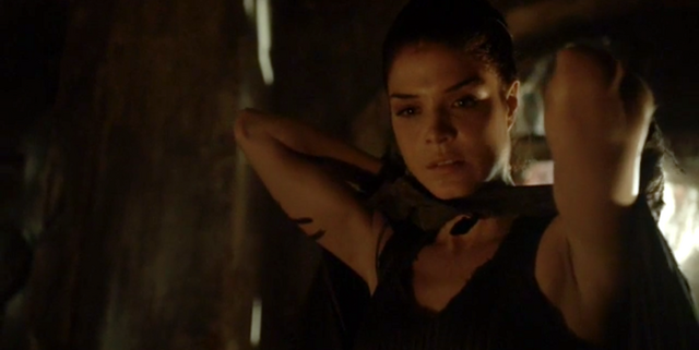 File:The-100-S4-episode-2-Octavia.png