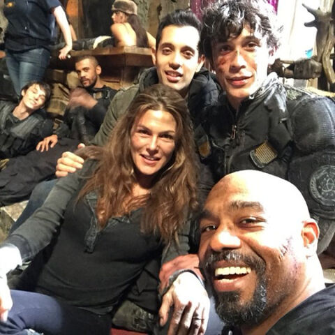 File:Paige on set with several cast members - The-100-Cast.jpg