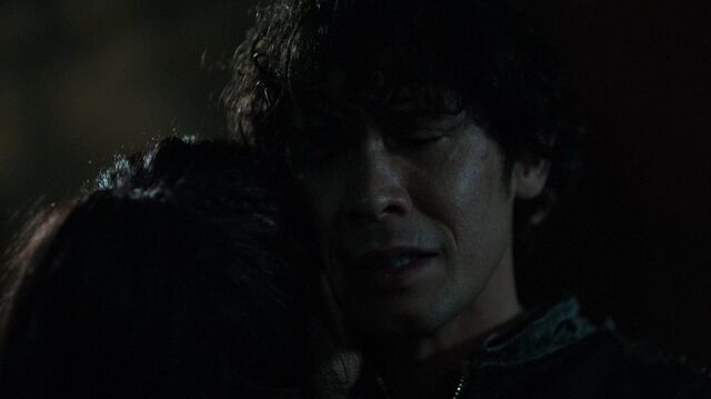 File:The100 S4 The Other Side Bellamy Octavia.jpg