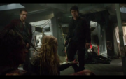 1x10-Bellamy & Clarke inside the dropship