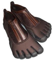 Arena suit shoes