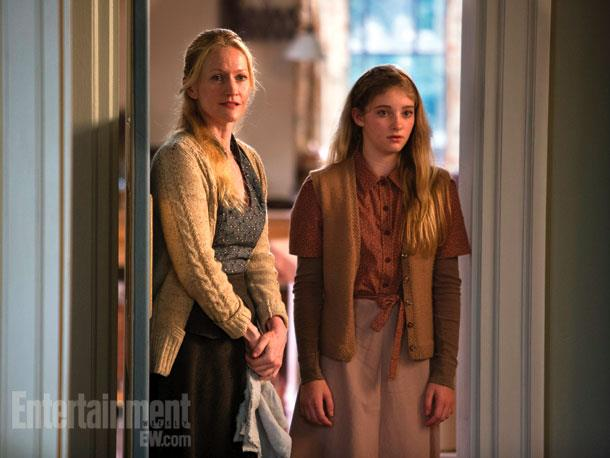 File:Prim-and-Mrs-Everdeen-Catching-Fire-Still.jpg