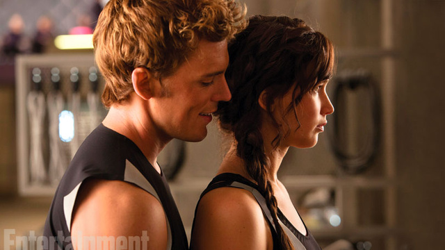 File:Finnick and Katniss.jpg