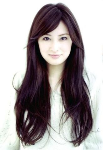 File:Long-dark-brown-hair-with-bangs.jpg