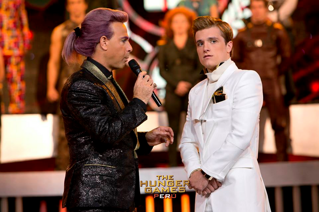 File:Caesar-peeta-catching-fire interview.png