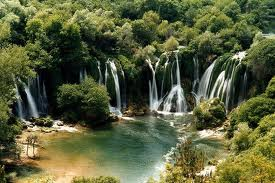 File:Waterfalls.jpg