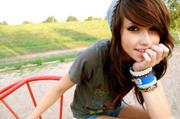 180px-Beautiful-bracelets-brunette-cute-eyes-girl-Favim.com-77158 large