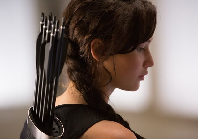 File:Hunger-games-catching-fire-lawrence katniss.jpg