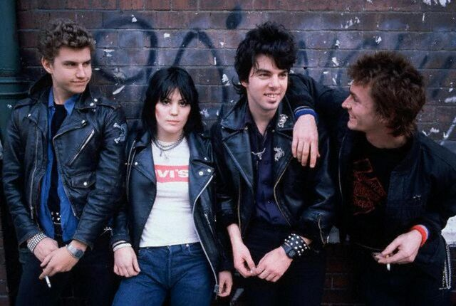 File:Joan-jett--the-blackhearts 1814600.jpg