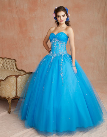 File:Quincedress86069 018-de-97816167.jpg