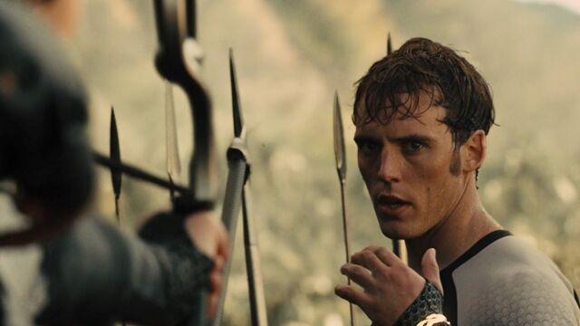 File:Finnick & Katniss 75th bloodbath.jpg