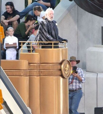 File:The-Hunger-Games-Catching-Fire-Donald-Sutherland-As-President-Snow-535x593.jpg