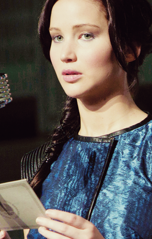 File:Katniss-Catching-Fire-the-hunger-games-movie-33322519-320-500.png