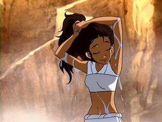 File:Katara wringing her hair.png