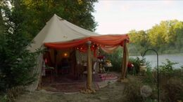 Date site tent