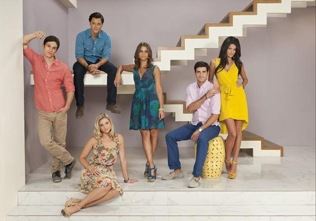 File:The-Lying-Game-S2-Cast.jpg