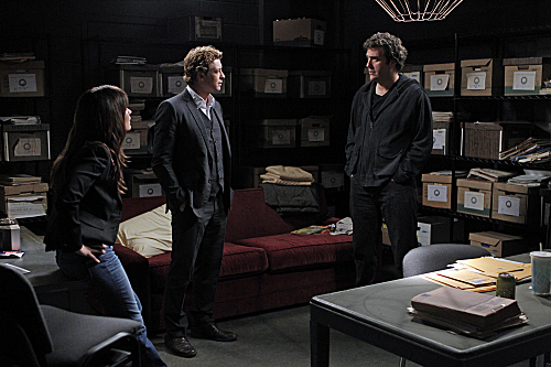 File:THE-MENTALIST-Red-Shirt-Season-4-Episode-9.jpg