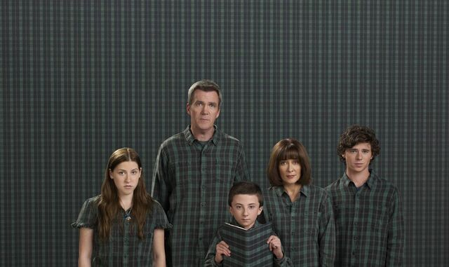 File:TheMiddle-S4Promos 28129.jpg