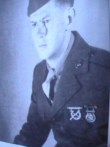 File:Robert Leckie enlistment.JPG