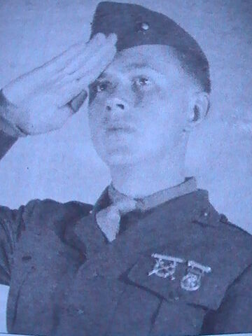 File:Robert Leckie after boot camp.JPG
