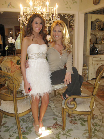 File:Dina and Lexi Manzo 5.png