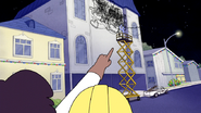 S6E11.158 That guy's messing with our scissor lift