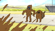 S7E21.021 Mordecai and Rigby Covered in Mud