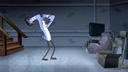 S6E01.154 Mordecai Hurt His Head