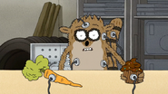 S7E06.133 The Cupcake Electrocuting Rigby