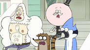 S7E28.096 The Guys are Shocked by Muscle Man's Action