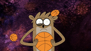 S5E10.053 Rigby Getting Hit with Mini Basketballs