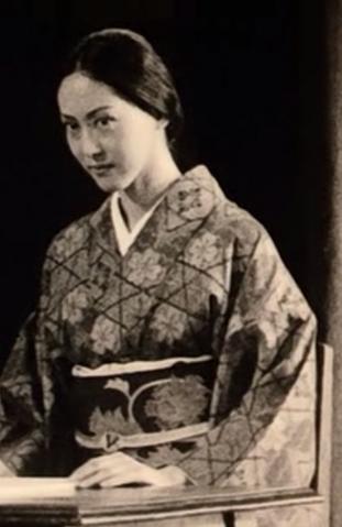 File:Shizukoyamamura1998.png