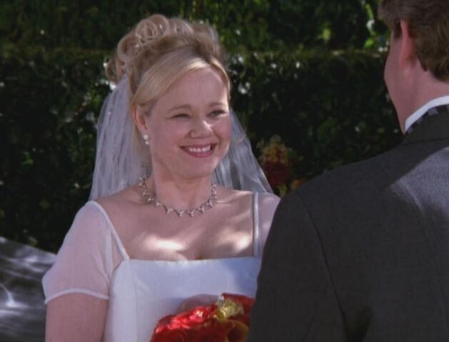 File:Hilda wedding.jpg