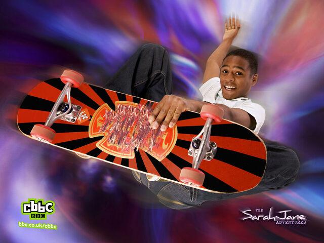 File:Clyde-skateboarding-wp 1600x1200.jpg