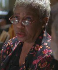 1x07 Phyllis
