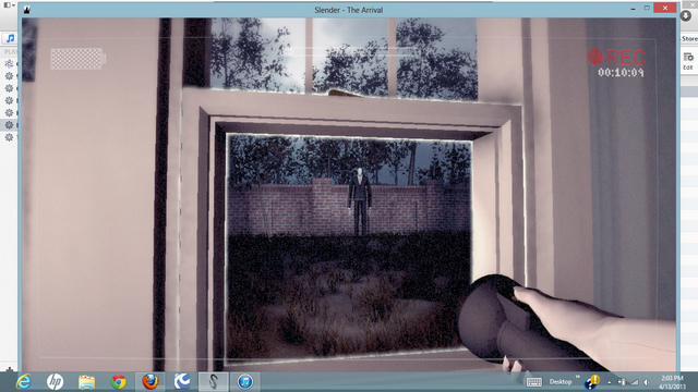 File:Slenderman Sideview Glitch - No Static.png