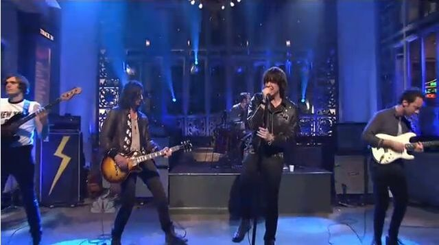 File:SNL 2011.jpg