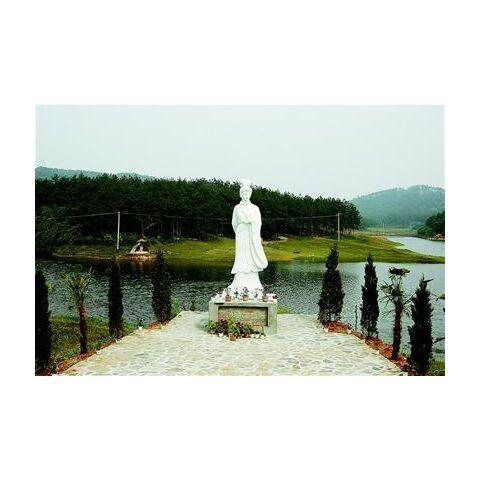 Huang Jia Wan statue