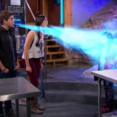 Phoebe and Max freezing Billy and Nora