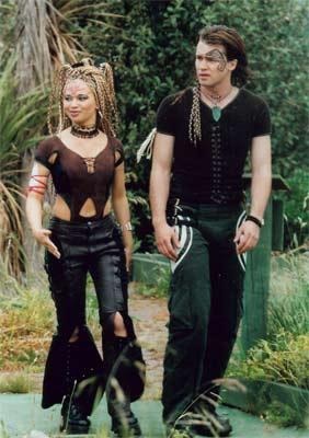 File:Ebony and Bray2-t2.jpg